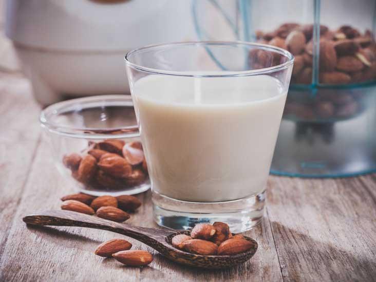 10 benefits of almond milk