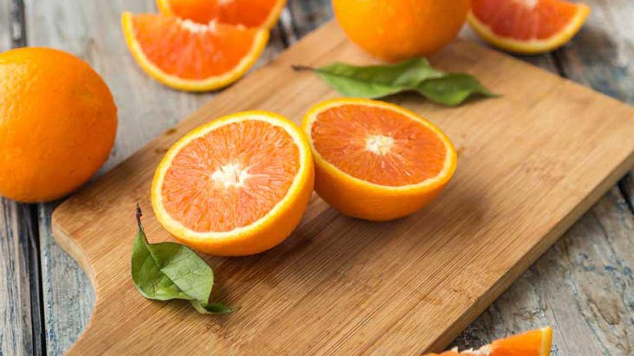 10 Health Benefits of Eating Oranges