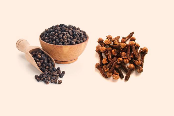 Black pepper & Cloves can boost your immunity and helps you to fight against Corona Virus