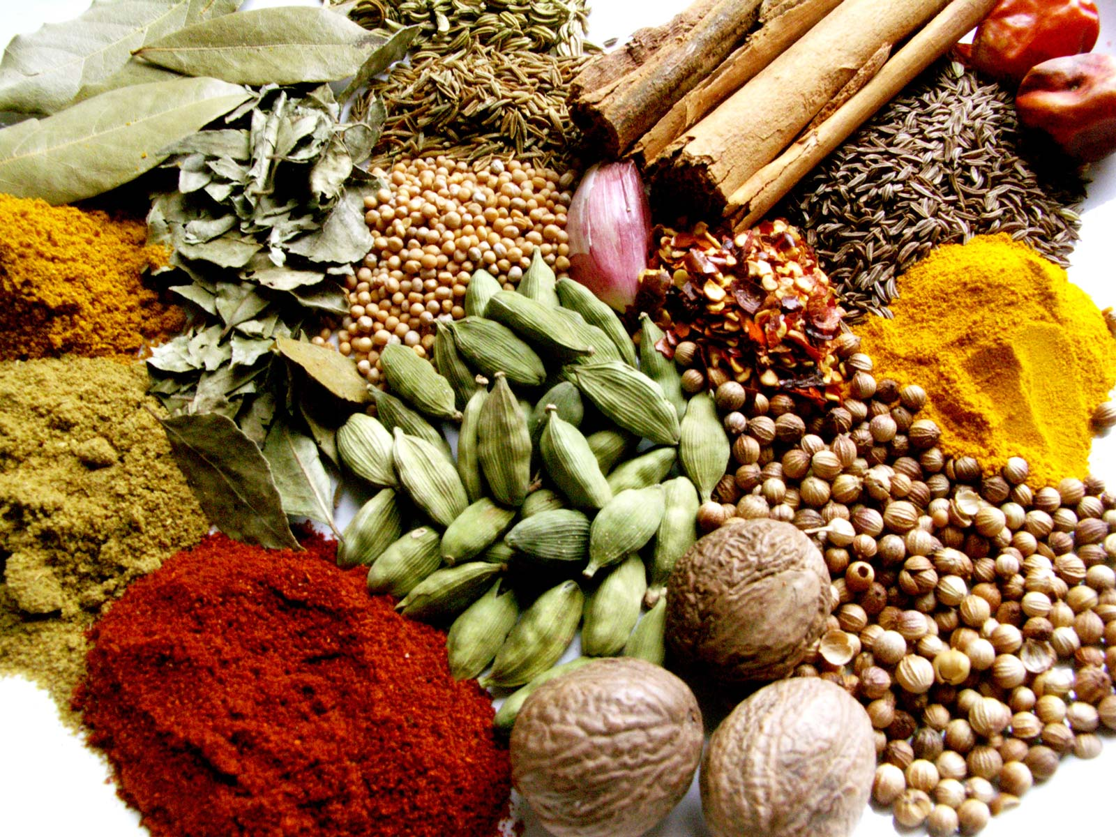 9 Herbs and Spices That Fight Inflammation