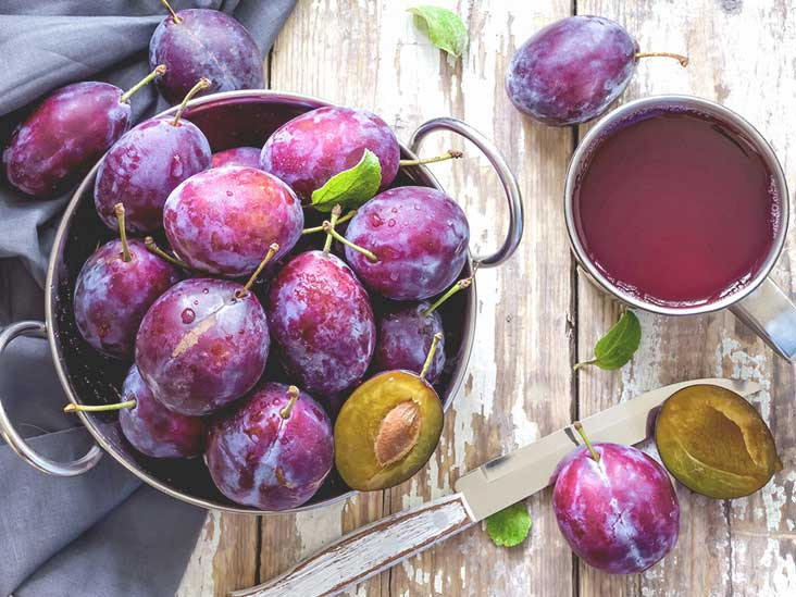 Benefits Of Prunes and Prune Juice: The Dry Fruit You have Ignored For Too Long
