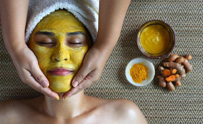 Beauty Benefits of Turmeric: Here's How This Kitchen Ingredient Can Enhance Your Look